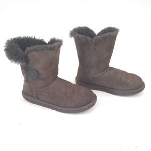 UGG One-Button Suede Boots 5803 - Size 6 / EUR 37